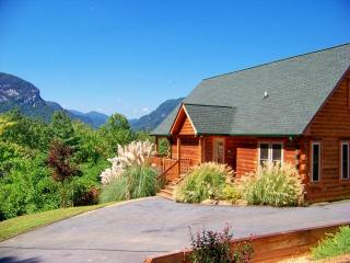 Log Cabin, Gorgeous Mtn Views, Large Game Room, Lake Lure