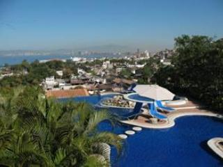 Selva Luxury View 2BR Penthouse Spring dates open!, Puerto Vallarta