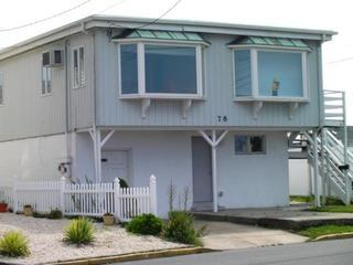 FAMILIES & RETIREES! - CLEAN, Great 2 Bedroom ShoreHouse -Near Beach & Boardwalk