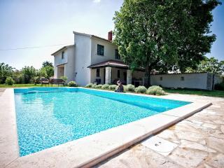 Villa Altra, Pavicini