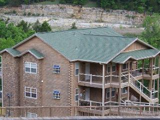 Beautiful Lodge Style! Closest Condo to SDC!!!, Branson
