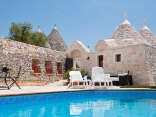 Relax and leisure at Trulli Angela, Locorotondo