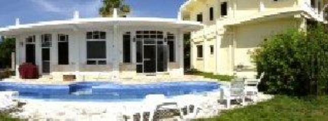 La Puerta Azul, Family Home, Pool, Economical