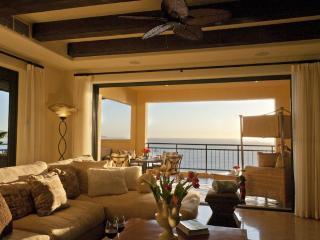 Hacienda 2 Bedroom Luxurious Ocean View Condo, Cabo San Lucas
