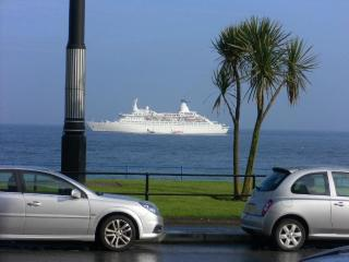 Sea Front / Promenade location 4* holiday Apartment, Century Court, Douglas.