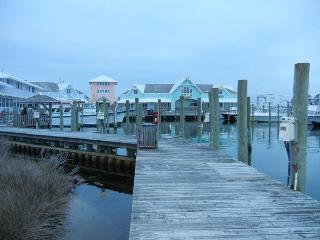 Upscale Condo in the Heart of Hatteras Village, Great Sunsets! HI23