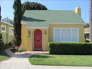 Remodeled Cottage 2 Blocks to Beach & Town, Laguna Beach
