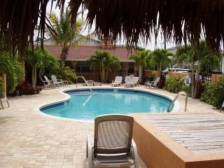 Tropical Coconut Villas, Redington Shores