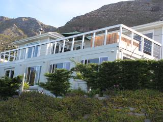 Rocklands House, Beach –Front Holiday Home