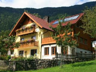 Haus Hepi Bed and Breakfast near Lake Hallstatt