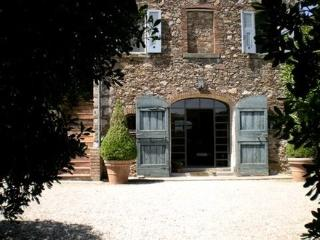 Classic Charm in Fabulous 18th Century Designer Villa w Pool on Tuscany Coast, Porto Ercole