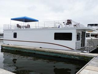 Houseboat Scorpius: Amazing Waterfront Views from Your Own Floating Home!, Baltimore