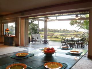 Four Seasons Luxury 3BD Waiulu Villa, Garden Level, Kailua-Kona