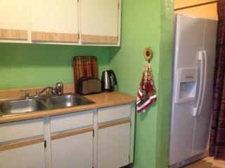 Orchid Lane 1 BR House in ESPERANZA:180 steps to Caribbean Beaches/Boardwalk/Restaurants, Vieques