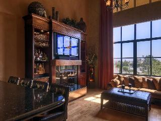 LUXURY 5 STAR LOFT AT SANTANA ROW