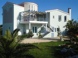 Samantha Paradise Villa, Kiveri