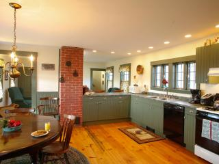 3 BDR Farmhouse on Tranquil 105 acre Organic Farm, Walpole