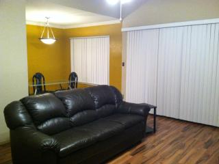 Fully Furnished 3 bed/2bath in heart of city of Tucson Az