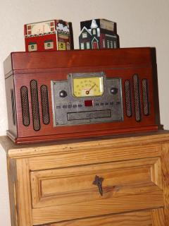 ENTERTAINMENT CENTRAL (am/fm, cassette, cd, 3 speed record player