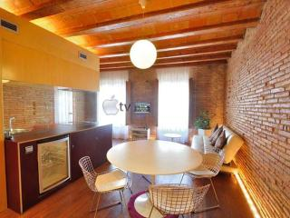 Born Romantic Center Apartment near the beach, Barcelona