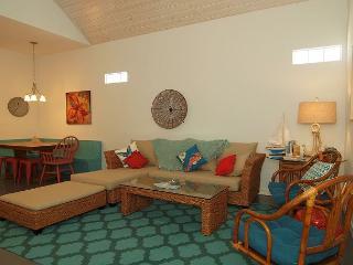 Spacious 3 bedroom 2 bath coastal cottage at  Pirates Bay!  Just a short driv, Port Aransas