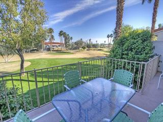 Highly Upgraded 2 bedroom condo with golf course views of PGA West, La Quinta