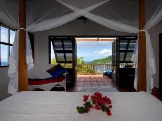 2 bedrooms, 2 bathrooms, pretty vacation villa, w/ pool, wonderful ocean views, beautiful gardens, 10 minutes to beach. (v), San Vicente y las Granadinas