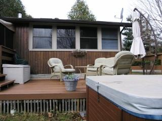 Deck with hot tub, this deck faces the lake