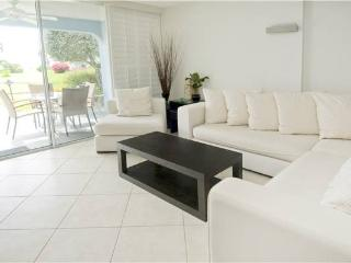 SILVER SANDS CONDOS-UNIT #13, Seven Mile Beach