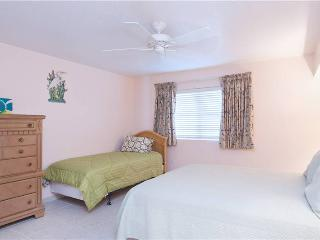 SILVER SANDS CONDOS-UNIT#23-Fun and Comfort, Seven Mile Beach