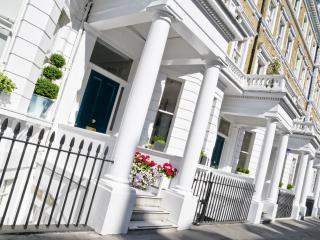 **AWARD WINNER 2015** Princess Diana's Kensington, London