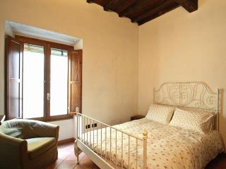 Mimosa Flat Rentals in Pnte Vecchio, Florence