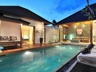 Poolside Luxury Living in the Heart of Upscale Seminyak
