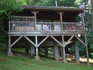 "Cabin #2 - ""Gone Hiking"" - Hot Tub - Views of the Moutnains, Bryson City"