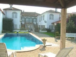 Comfortable 6bd Manor House,central & peaceful, Barcelos