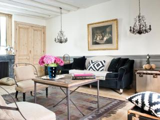 Beautiful Charming Apartment -, Lione