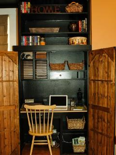 Wi-fi: two work spaces right off the kitchen & living room