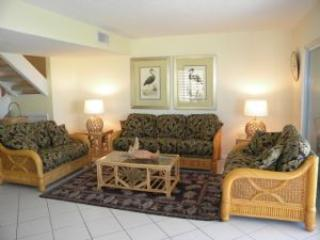 Golden Beach #3 Sand, Sunsets, Shells & Spacious.  Pet Friendly, Isla de Sanibel