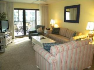 Pointe Santo #B21 Remodeled Condo with Lush Tropical Lagoon Views, Sanibel Island
