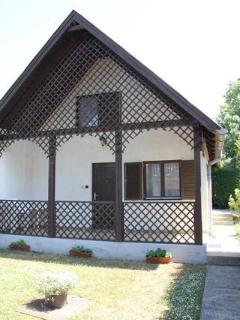 Fék Apartment, Balatonakali