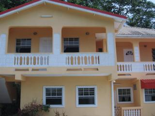 HILLTOP VIEW APARTMENT, Castries