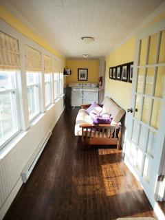 Sunroom with Washer & Dryer
