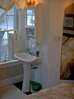 Eleanor Room Sink, In room