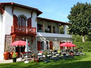 Villa Ohantcea 4****,  beautiful with charm, near beach, Hendaye