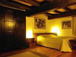 NICE LOFT IN THE HISTORIC CENTER, Bologna