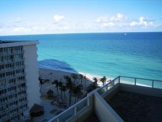 La Perla Ocean Resort Condominiums, Sunny Isles Beach
