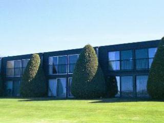 Bay Side Lodge - Condo Location
