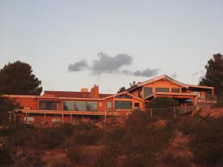A Lodge on the Desert, Las Cruces
