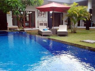 Villa 2BD  Heart of Seminyak  300m from the  Beach