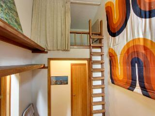 Dog-friendly home w/ private hot tub, SHARC access & six adult-size bikes!, Sunriver